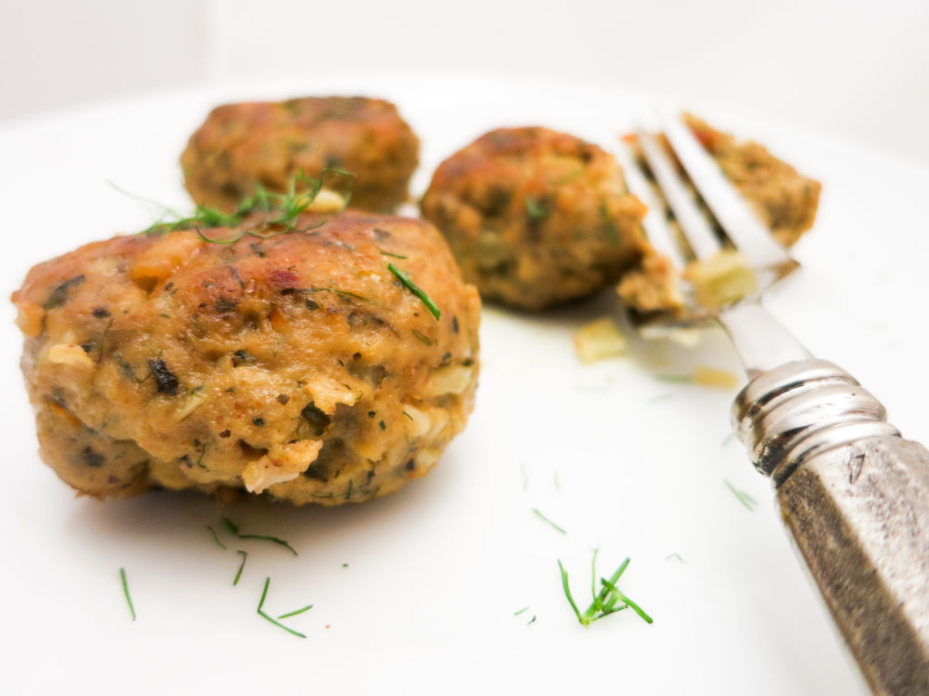 Turkey Meatballs with Fennel & Carrot are a healthier meatball alternative without sacrificing the flavor.