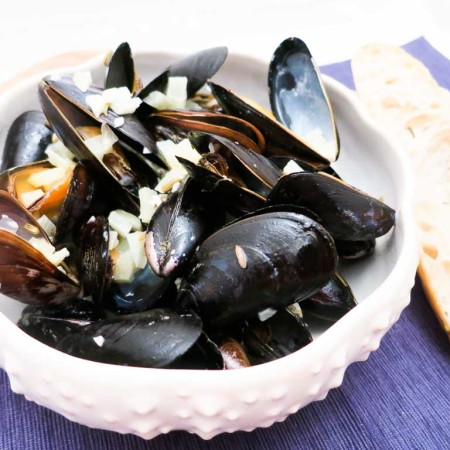 Enjoy a bowl of Mussels with White Wine and Fennel Cream Sauce this weekend !